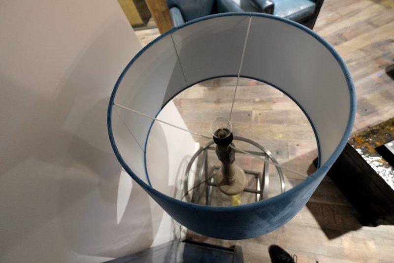 Lamp met Houtenstandaard