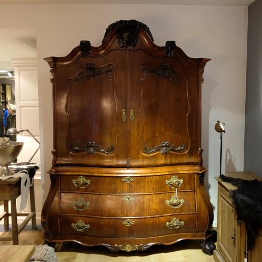 Antiek Cabinet Anno 1750