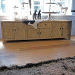 Old Pine Dressoir