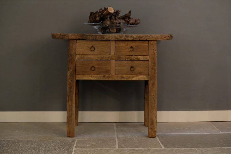 Elmwood Sidetable
