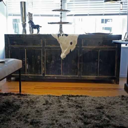 Schwarzer Old Pine Sideboard