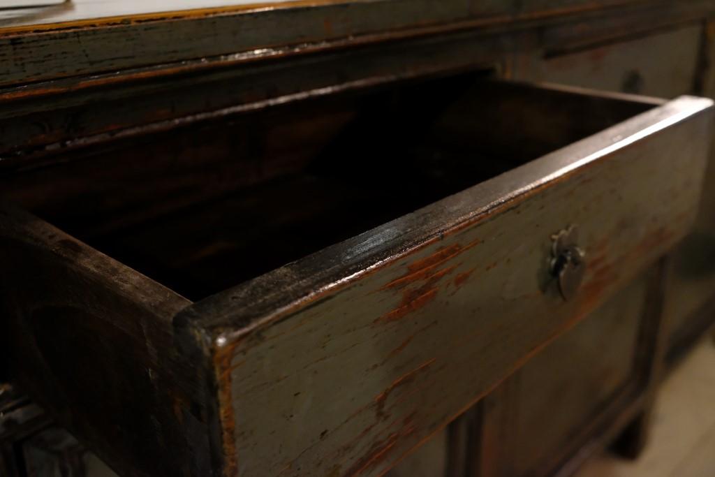 Lackiertes Antik Sideboard