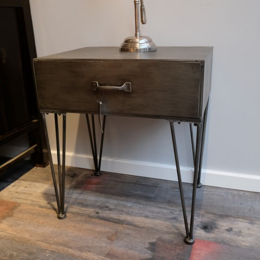 Wandtisch aus Metall